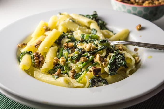 Check out this creamy spinach, ricotta and walnut pasta (without the ...